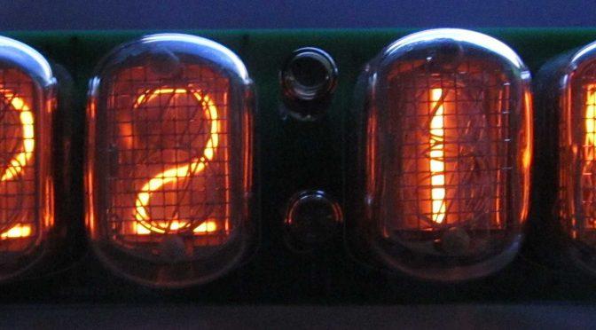 Часы на газоразрядных лампах ИН-12 (Nixie clock)
