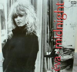 Éva* – Midnight